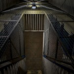 監獄の中で、あなたは…。スタンフォード監獄実験とセルフイメージから考える【引き寄せシリーズ4】