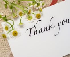 「thank you」と感謝の言葉が書かれた手紙